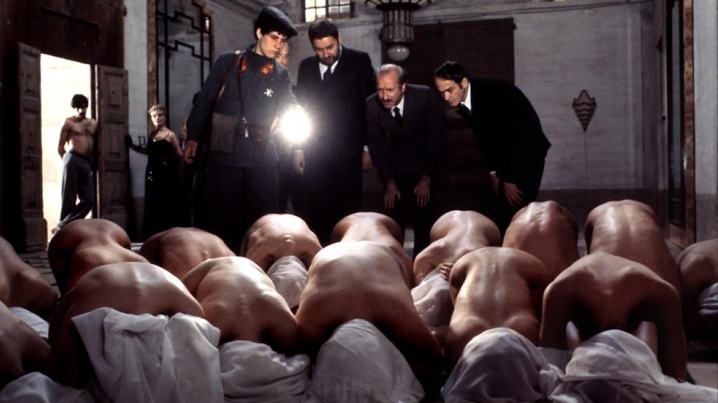 Смотреть бесплатно порнография италия запретные содомские удовольствия 1992 7 фотография