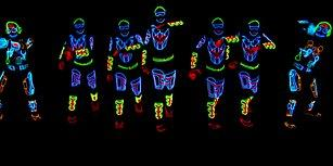 İçinde Tron Filminden Malzemeler Olan Muhteşem Dans Gösterisi