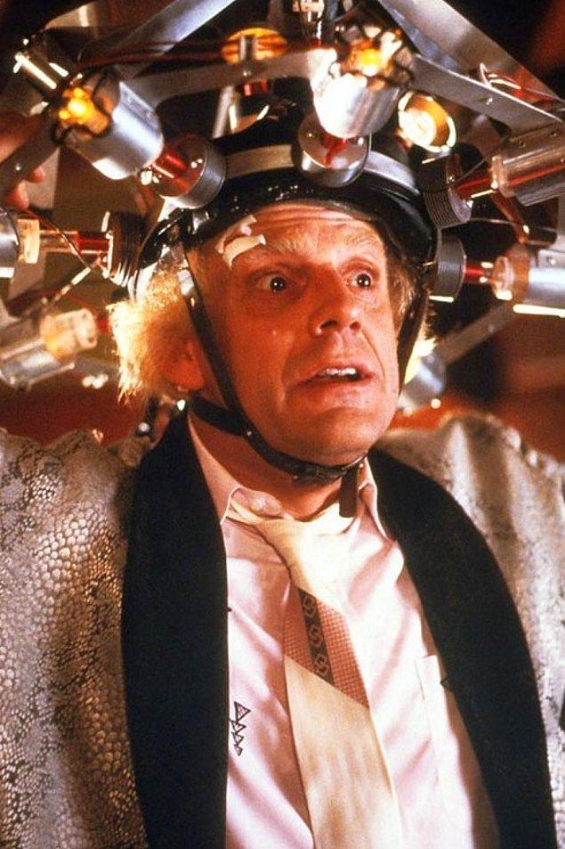 2. Doktor Brown rolüyle Christopher Lloyd