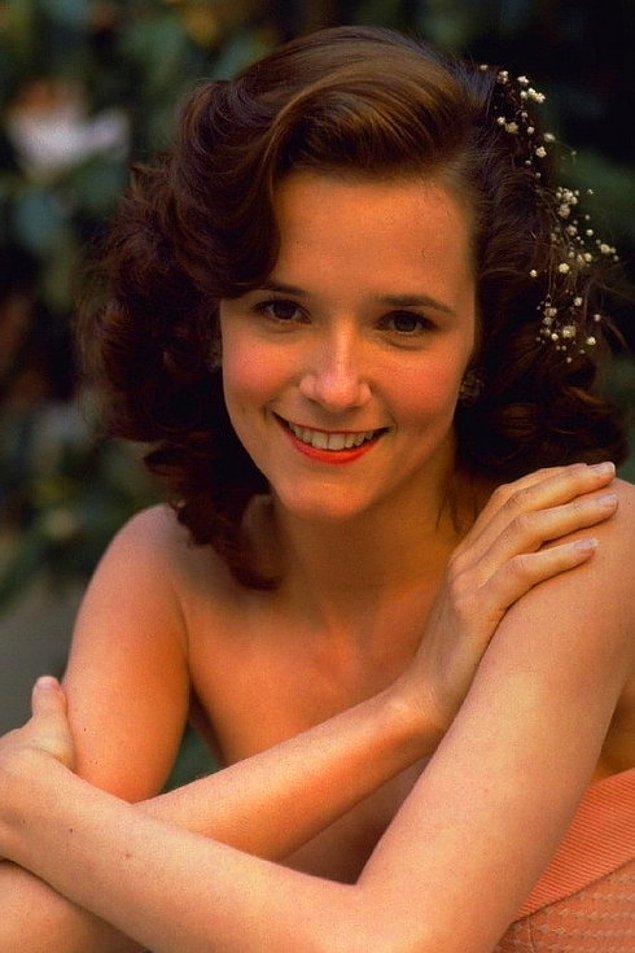 4. Lorraine Baines-McFly rölüyle Lea Thompson