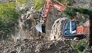 Kaya Mezarlarına İş Makinası ile Kıyım