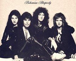 300 milyondan fazla albüm satmış, müziğiyle onlarca efsane rock grubunu etkilemiş Queen'in frontmanı Freddie Mercury...