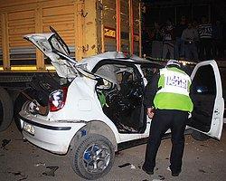 Otomobil Tıra Çarptı, 4 Genç Yaşamını Yitirdi