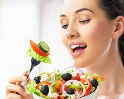 Bilinçsizce uygulanan diyetin böbrek ve idrar yollan taşlarına yol açabileceği belirtildi.