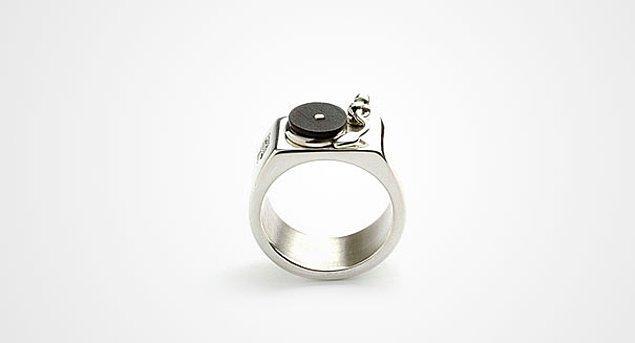 14. Dj yüzüğü