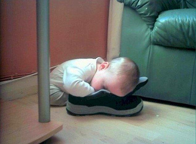 14. Çoğunlukla ayakkabılarıyla uyurlar.
