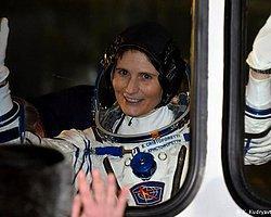 İtalya'nın İlk Kadın Astronotu Uzayda