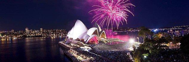 7. Bu sene de yeni yıla ilk Sydney mi gircek örtmenim?