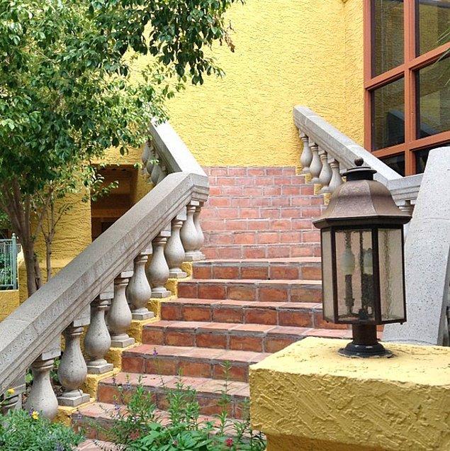 6. Bu merdivenlerin sonundaki duvar, ne yazık ki; Hogwarts'a açılan sihirli bir portal değil..