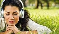 Gözünüzü Kapatıp Dinlediğinizde Sizi Başka Alemlere Taşıyacak 25 Şarkı