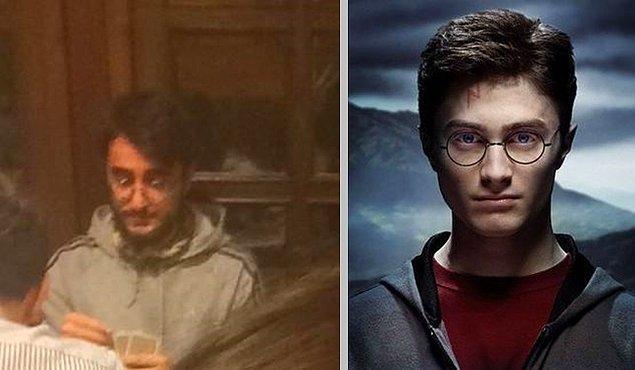 8. Kahvede batak oynayan Harry Potter