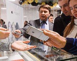 Apple, Rusya Satışlarını Durdurdu