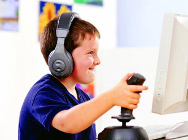 14- Yunanistan'da bilgisayar oyunu oynamak yasak.