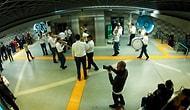 Bursa Metro İstasyonunda Yolculara Büyük Sürpriz