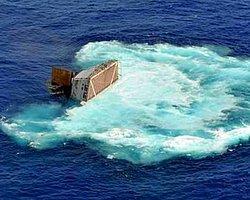 İskoçya'da Yük Gemisi Battı: 8 Kişi Kayıp