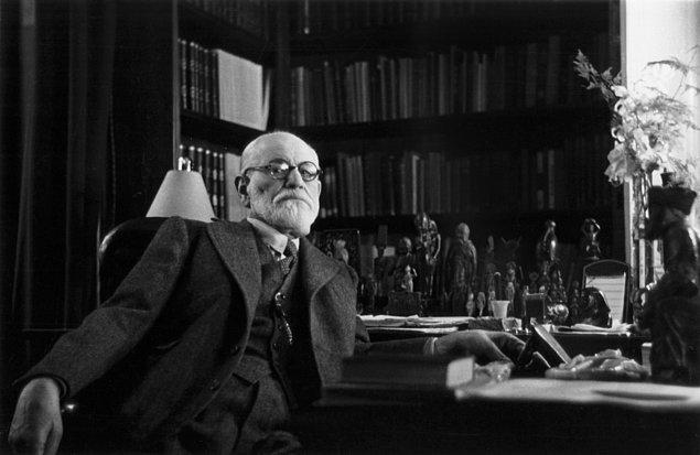 Sinir hastalığı belirsizliğe tolerans gösterememektir.  Sigmund Freud'un Hayat Hakkında Söylediği 10 Acı Gerçek s 5e06fe435f0edaa135f6c8e1944711408f32e2a6