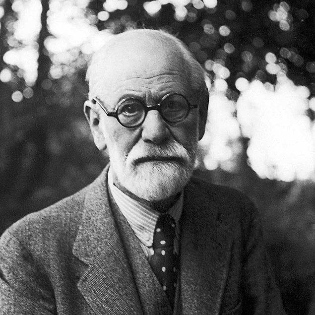 İnsan saldırılara karşı kendini savunabilir, ama iltifatlara karşı savunmasızdır.  Sigmund Freud'un Hayat Hakkında Söylediği 10 Acı Gerçek s b846c313a5eb728a3d2390c4d8f53f8619f930b7
