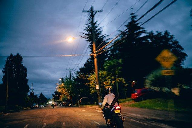 10. ''Şehirlerin içinden hızlıca geçtik. Çünkü kuzeye doğru yol almayı ve doğaya yakın kalmayı tercih ettik.''