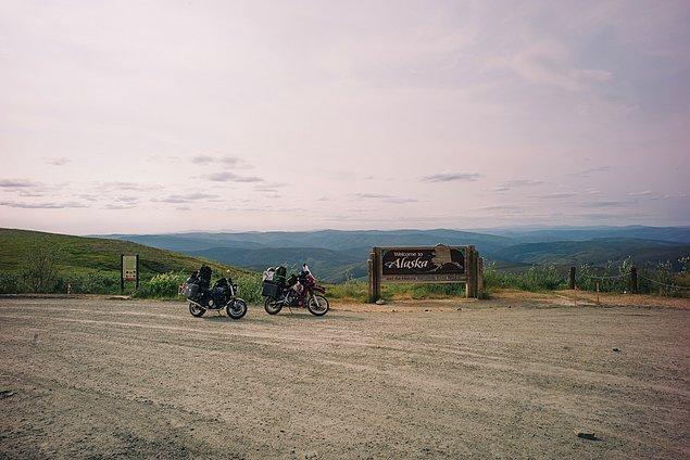 42. ''...ve sonunda Alaska'ya varıyorsunuz. Sınır halkı çok arkadaş canlısı. Oley!.''