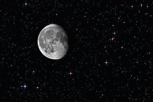 1. Ay'da bir çeşit elektrik var sanki. Bir tür nabız atışı, bir enerji, Güneş'in aydınlığında bulunmayan bir şey.