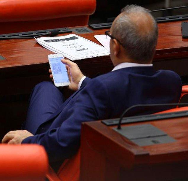 Görüşmeler esnasında AKP Milletvekillerine gönderilen 'önemli' başlıklı bir SMS.