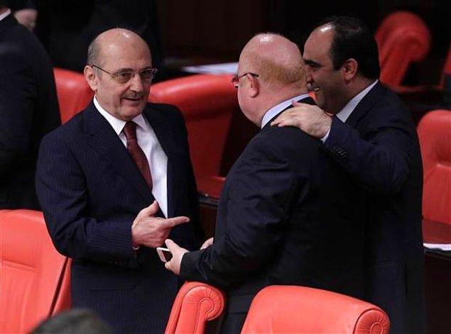 Hakkında yolsuzluk iddiaları bulunan Erdoğan Bayraktar TBMM'de.