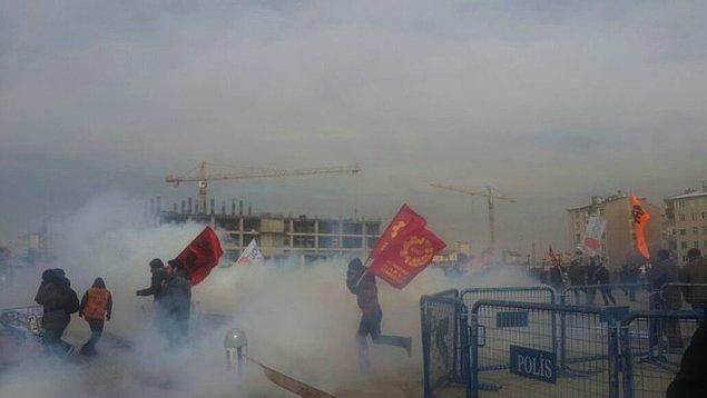 Adliye önünde kararı protesto edenlere gazlı müdahale
