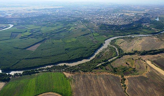 Dicle Vadisi'nde UNESCO Dünya Mirası listesine aday Hevsel Bahçeleri'ni de içine alan arazinin tarımsal nitelikten çıkarılmasına dair karar mahkemece durduruldu. Çevre Bakanlığı'nın bölgeyi ' Yapı Rezerv Alanı' ilan eden kararı da aynı mahkeme tarafından iptal edilmişti.