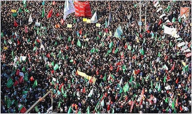 8. Charlie Hebdo Protestosunda 'Yaşasın Hizbullah' Sloganları