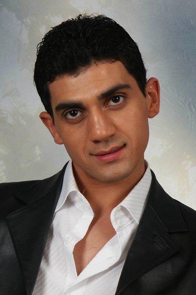 21. Popstar yarışmacısı Bayhan son olarak bir dizide oynamış. Şimdi Ortaköy'de küçük bir çiğköfte dükkanı işletiyormuş.