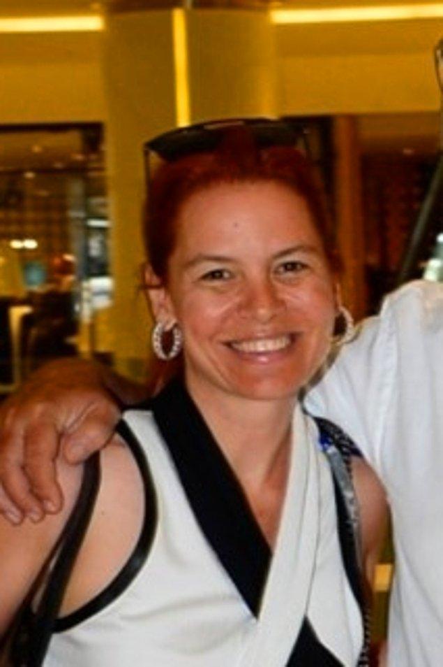 5. Küçük Gülşah ile izlediğimiz Hülya Koçyiğit'in kızı Gülşah Alkoçlar şimdi 45 yaşında.