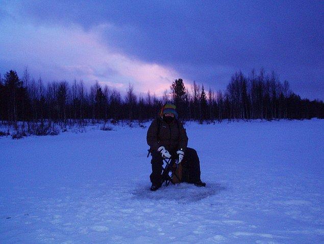 38. Çünkü yalnız kalmak istiyorsanız, Finlandiya balık tutmak için ideal bir yer.