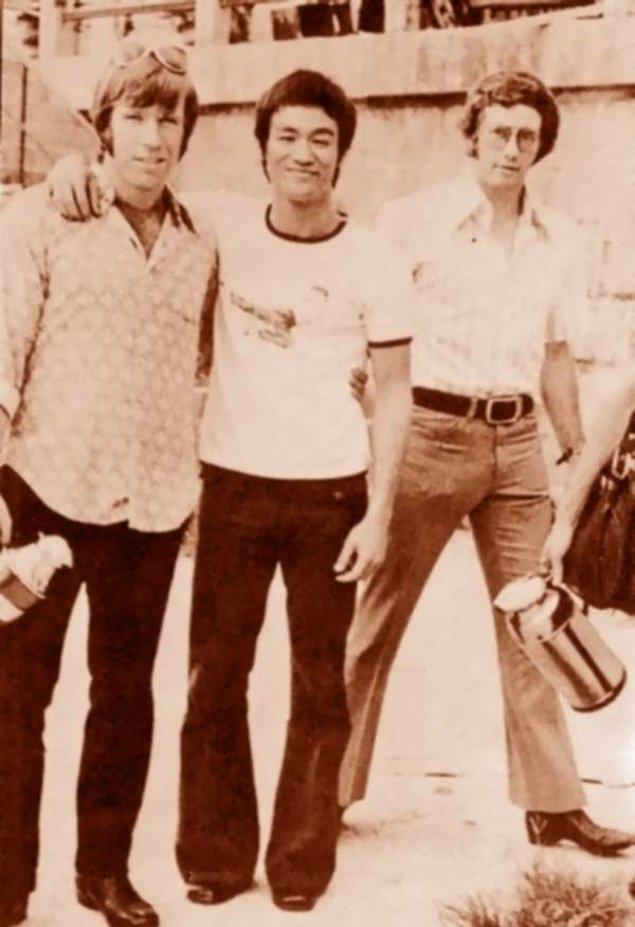 9. Dövüş-aksiyon filmlerinin iki ustası bir arada: Chuck Norris ve Bruce Lee