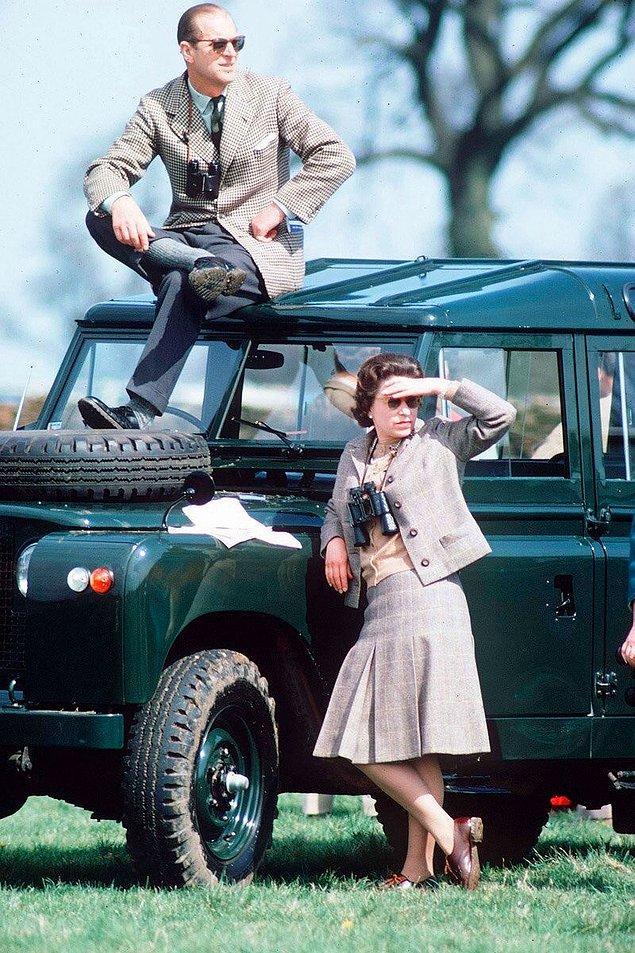 47. Kraliçe Elizabeth ve Prens Phillip at yarışlarında, 1968.