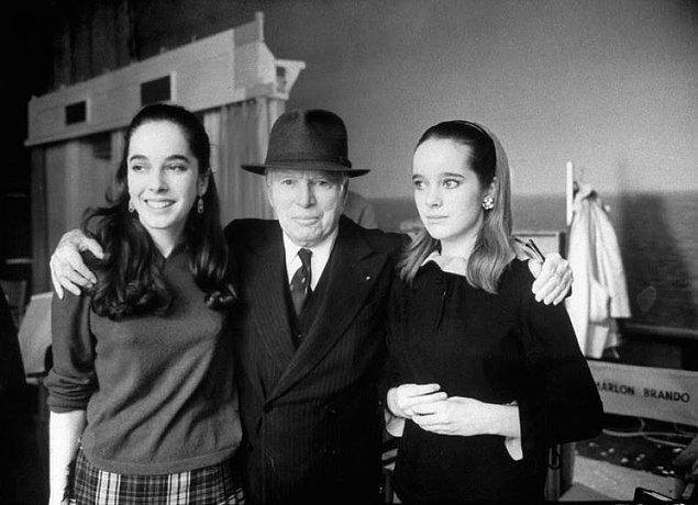 7- Aktör Charlie Chaplin ve kızları Josephine ile Victoria, 1966.