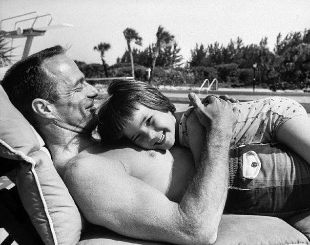 17- Ünlü astronot Scott Carpenter ve kızı Candy, 1962.