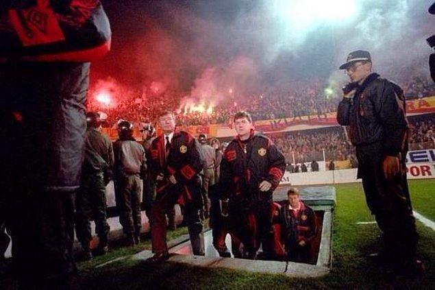 18. Alex Ferguson ve yardımcısı, Ali Sami Yen cehennemiyle tanışırken