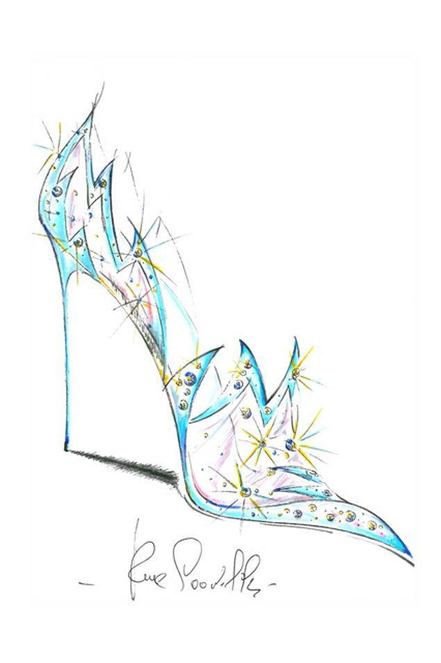 9. Son olarak da René Caovilla , ayakkabısını su ve ateşin dansıyla süslüyor.