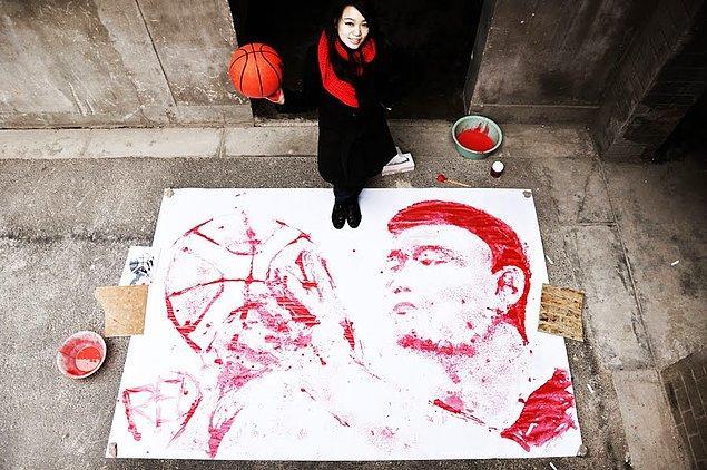 3. Boyamasında basketbol topu kullanılmış Yao Ming görseli