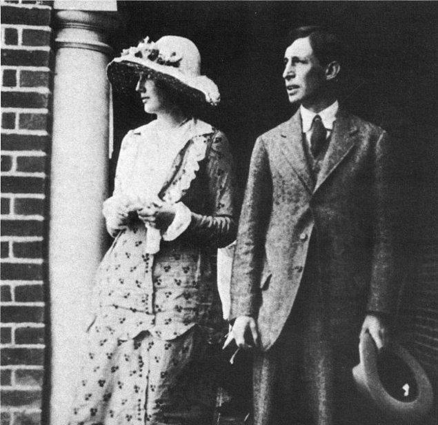 """11. Woolf, """"Kadınlar ve Yoksulluk"""" konusunda erkeklere şu soruyu sorar:"""