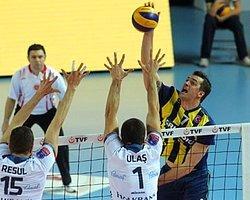 Fenerbahçe, Halkbank'a Boyun Eğdi