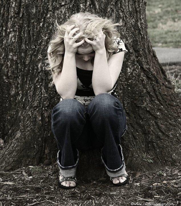 2. Babasız kadınlar ayrılıktan korkarlar. Gidenin ardından haddinden fazla yas tutarlar.