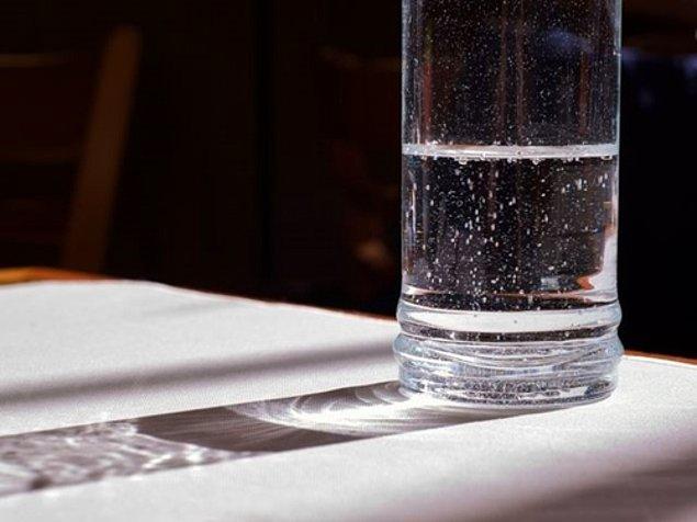 9. Sence şu bardağın yarısı dolu mu, yoksa yarısı boş mu?