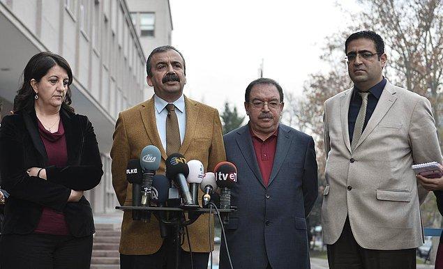 4. HDP Heyeti İmralı'dan Öcalan'ın Mesajıyla Döndü