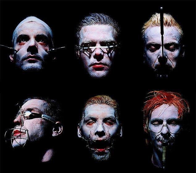 Ve Rammstein'in albüm kapağı da onun elinden çıkmıştır.