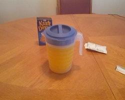 Portakal suyunu peynir suyuyla değiştirin ama ikram ettiğiniz arkadaşınızın karşısında durmayın.