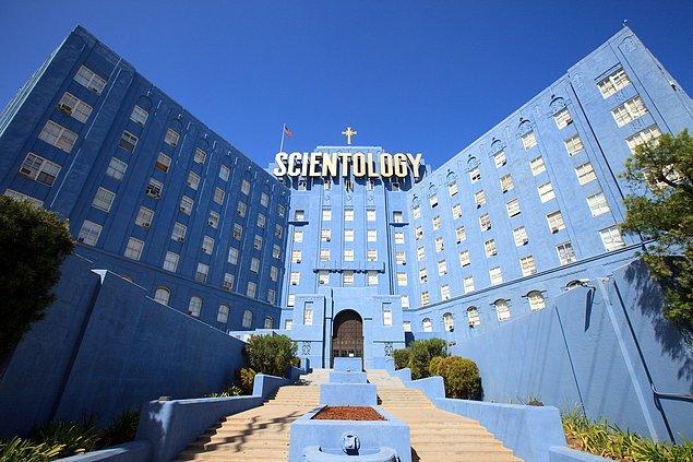 10. Scientology akımının bugün 10 milyonun üzerinde üyesi, binlerce kilisesi, milyarlarca dolarlık serveti ve birçok ünlü müridi var