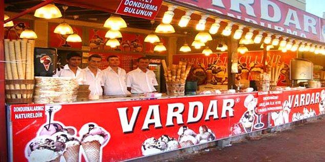 10. Roma Dondurmacısı Dediysek De Vardar'ı Unutmayalım