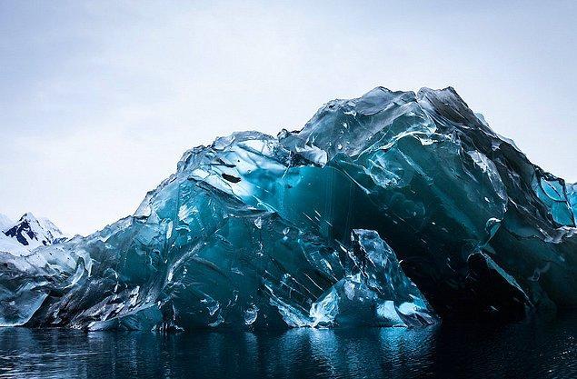 15. Kıtada oluşan icebergler oldukça etkileyici görünüyorlar.