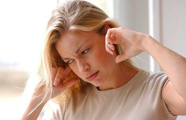 10. Komşular gürültü yaptığınızı söylerek sürekli bir tehdit oluştururlar.